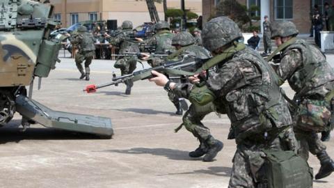 韩国国防部宣布5年裁军12万人