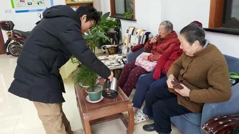 社区新发现 | 低温雨雪为你忙 上海各社区为市民送上温暖