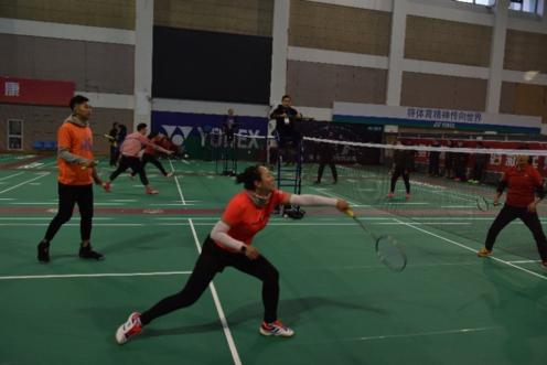 """迎新年首届""""协会杯""""羽毛球团体比赛在沪举行"""
