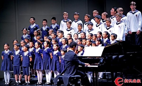 维也纳童声合唱团与保利童声合唱团小演员同台演唱《我爱你,中国》-郭新洋.jpg