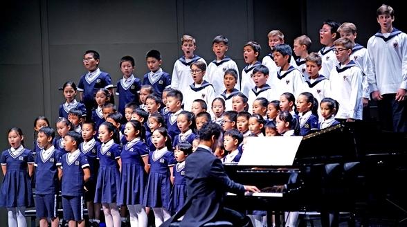 """中奥孩子共同唱响《我爱你,中国》,童声送来""""施特劳斯的问候"""""""
