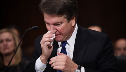 """美大法官提名人""""险过""""参院程序性投票 今天能否通过正式投票仍存疑"""