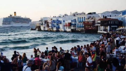 不堪重负,希腊小岛将限定游客数