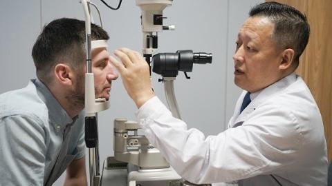 5年手术近千例外国人摘掉老花镜 新视界中兴眼科成立国际部