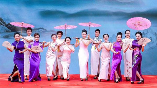 1979年3月22日,改革开放后第一次时装表演轰动上海