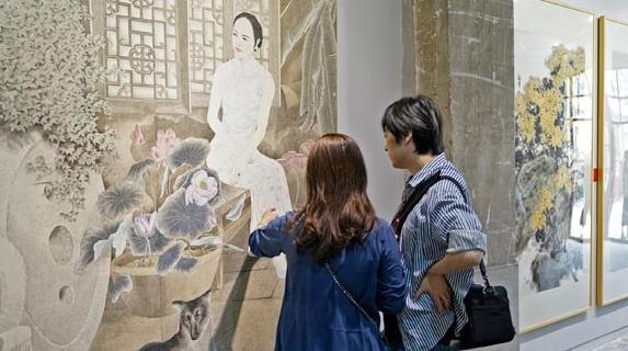 光影、重彩、翰墨抒写改革开放40年 第七届上海市民艺术大展开幕