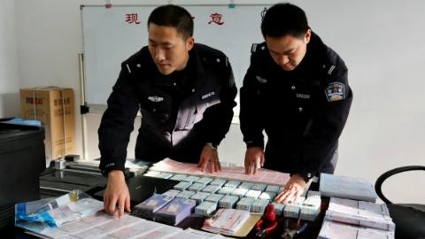上海铁警打击倒票如秋风扫落叶成绩显著