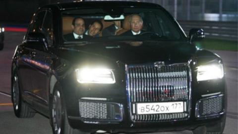 """没系安全带上F1赛道!普京带埃及总统塞西""""玩命"""""""