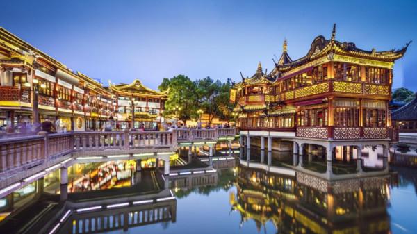 沿着11路电车轨迹,领略上海老城厢七百年风貌
