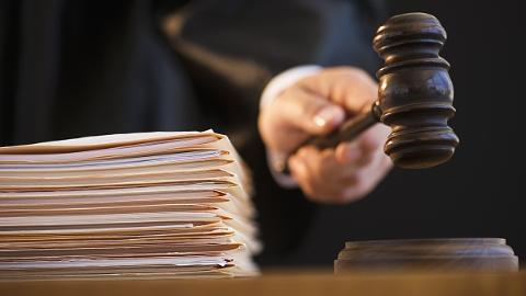 男子骑摩托车祸身亡保险公司拒赔,法院给说法