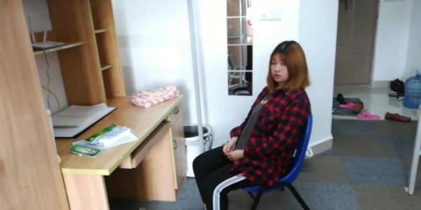 坠楼少女蒋林伶伤愈今入学报到