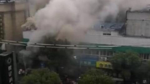 浦三路一房屋突发火灾  一名男婴伤势危重送医抢救