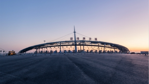 """港珠澳大桥:一桥跨""""伶仃"""" 大洋变通途"""