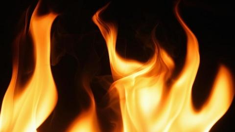 控江四村火灾起因:一户主外出忘关电热毯