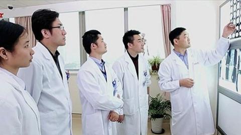 """近20年努力,孙成彦博士团队帮助""""蜗牛宝宝""""往前爬"""