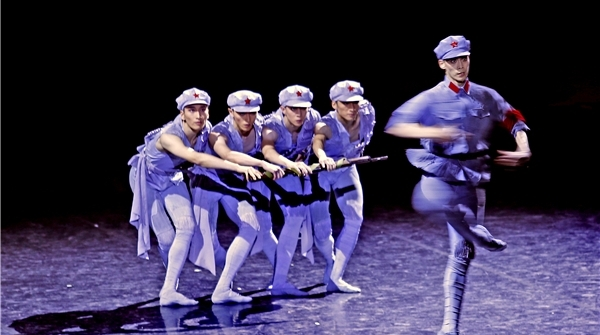 红色经典如何打动当代观众?上芭原创舞剧《闪闪的红星》给出答案