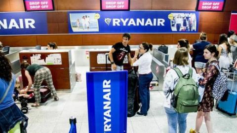 注意,下月起瑞安航空登机行李箱要收费啦