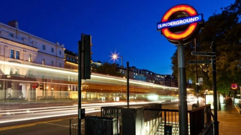 """它在伦敦风云际会150年,""""地下城""""、""""避难所""""""""博物馆""""都是它的代名词"""