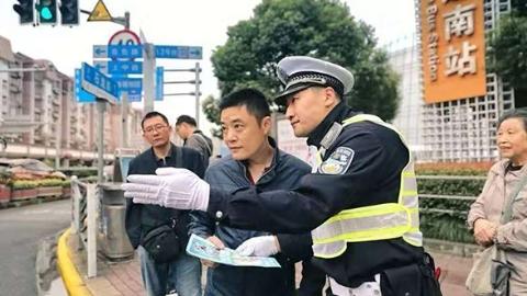 他守护上海南大门,让进出变通途