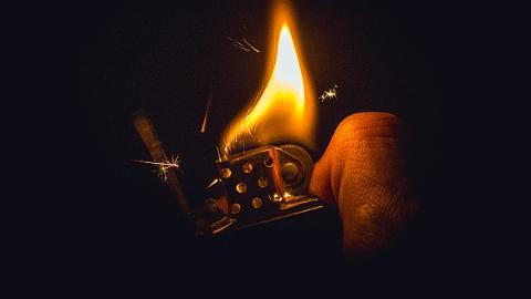 与前妻吵架后在家中放火欲寻死 一男子被判有期徒刑一年半
