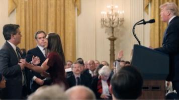 """视频   又遇""""刺头""""记者,特朗普这次没收了人家的话筒和采访证"""