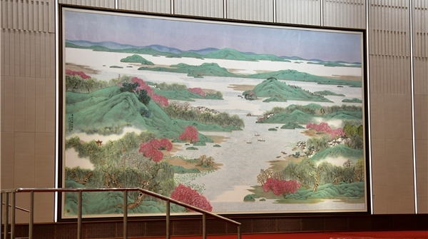 访进博会主会场艺术总监童雁汝南:向世界展示新时代的中国艺术