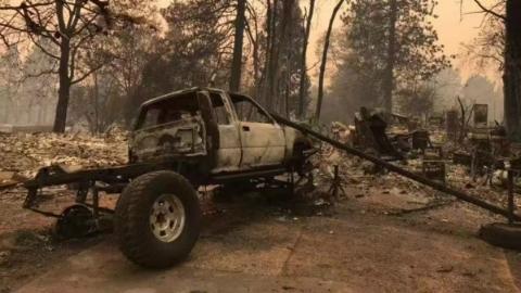 加州正在燃烧 几乎失去控制 暴露城市规划和防火措施的不足
