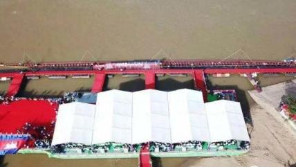 柬埔寨造87米长龙舟破吉尼斯纪录