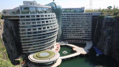【新时代新气象新作为】负向施工、逆向操作 这群能工巧匠在上海打造出全球海拔最低酒店