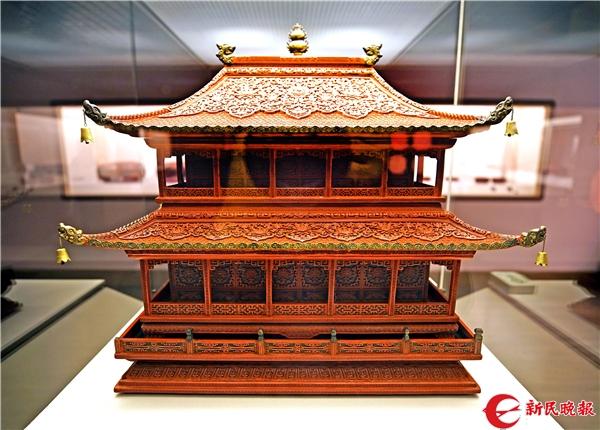 剔红重檐庑殿形香盒(清中期)-郭新洋.jpg