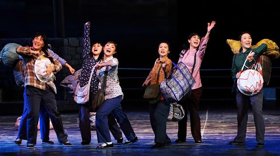 """国家话剧院一曲《船歌》""""唱""""响特区人的幸福生活"""