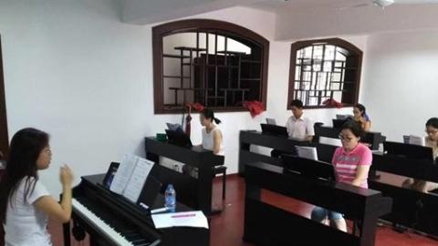 """杨浦区业大60年:从""""补文凭""""转型为终身教育场所"""