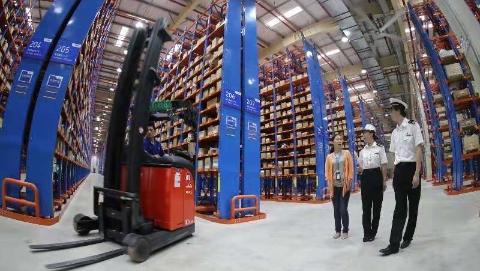 海关服务速度双响应 上海自贸试验区企业集聚新发展