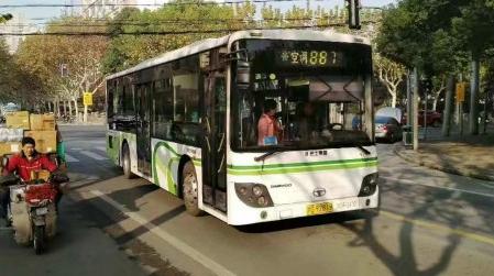 887路公交车今起开进彩虹湾 市区最大保障房居民出行不再难