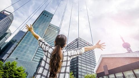 改革开放40年来上海女性发生了哪些变化?初婚初育年龄、平均预期寿命大幅提高