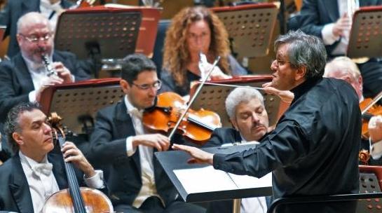 指挥大师帕帕诺:了解猫王滚石与了解巴赫贝多芬同样重要