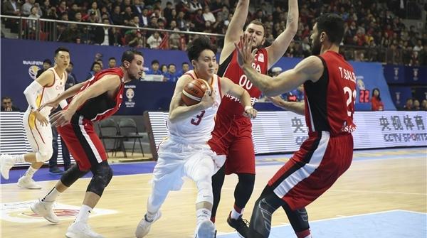 泪目!战火中的叙利亚篮球用坚守赢得尊重,梦想不灭就是胜利