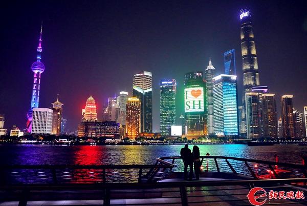 浦江夜景、上海-周馨_副本.jpg