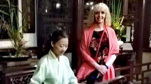 被来自东方的声音迷住了 记两位醉心于中国音乐的外国人