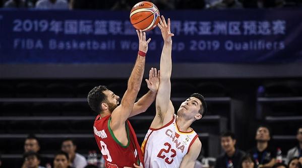 进攻此起彼伏防守前赴后继 中国男篮打出精神和气势