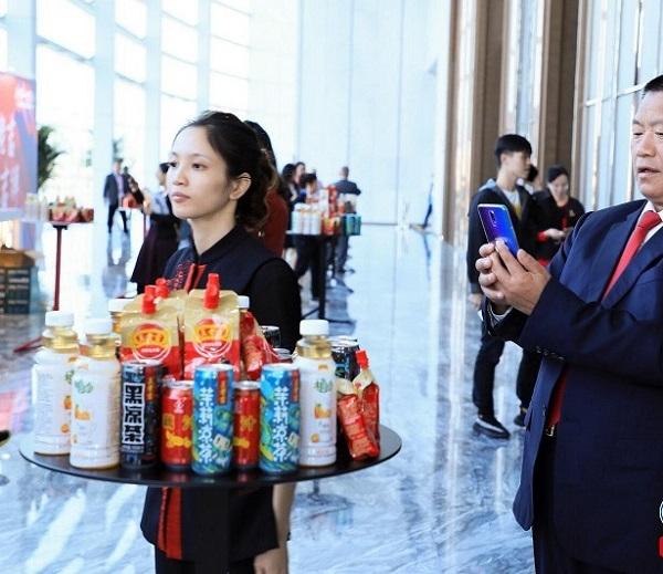 """190年的老字号如何炼成?这一次王老吉喊出了""""全球饮料第一"""""""
