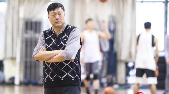 联赛重开但上海男篮伤病不断,李秋平:没人会同情弱者