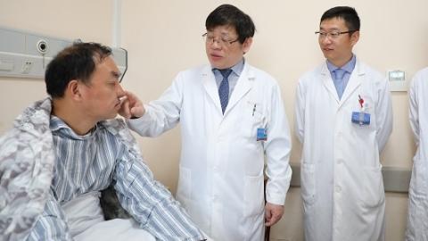 第九人民医院专家为全鼻缺失患者造新鼻
