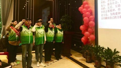 """杨浦有群""""爷叔辈""""的志愿者:""""江浦大叔""""一年查找环境问题650件"""