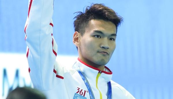 徐嘉余哭了但不认输!仅差0.03秒,与100米仰泳金牌失之交臂