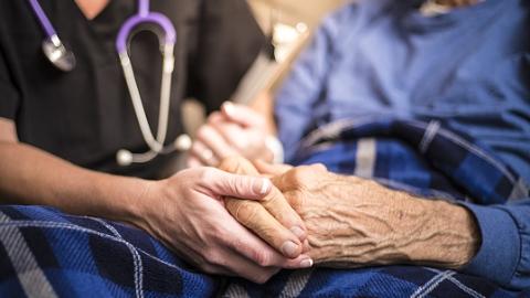 中老年人针灸治疗可延缓帕金森病进展 改善病人生活质量