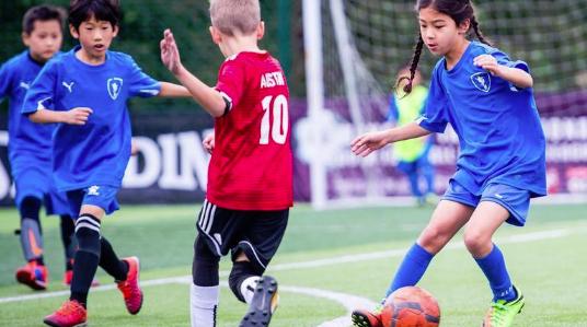 为何胡尔克也来当观众?上海国际青少年足球联赛树立社区化、国际化标识