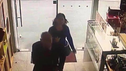 扒手打牌找到搭档 一作案就在浦东栽了