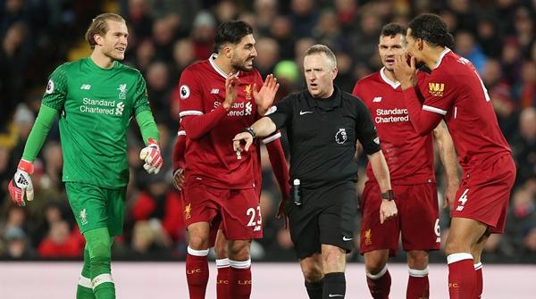 利物浦与热刺之战有争议?边裁居然为热刺点球点赞