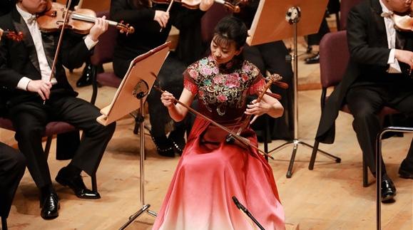 交响对话民乐东方西方同贺 新春音乐会南北半球相继奏响